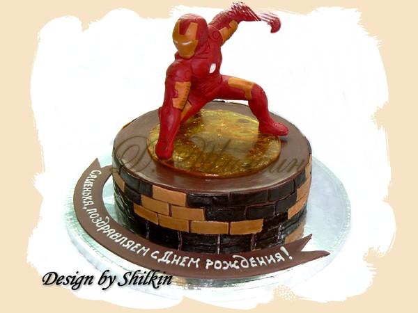 Торт с железным человеком